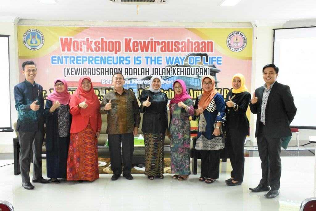fakultas pariwisata dan perhotelan adakan workshop kewirausahaan dan
